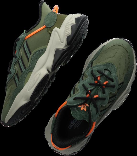 Grüne ADIDAS Sneaker low OZWEEGO J  - large