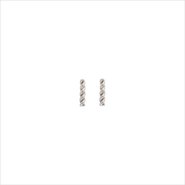 Silberne ALLTHELUCKINTHEWORLD Ohrringe PETITE EARRINGS TWISTED STRIP - large