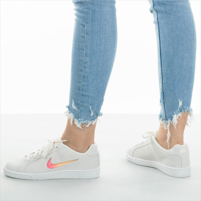 Weiße NIKE Sneaker COURT ROYALE WMNS  - large