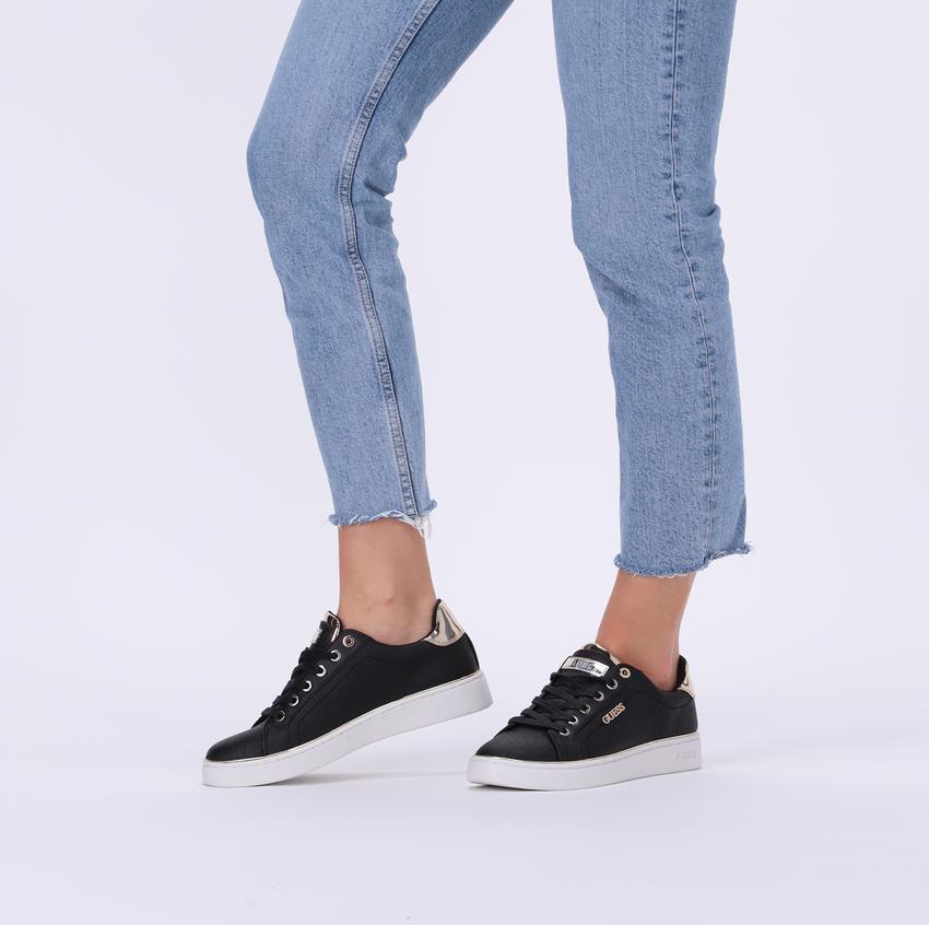 Schwarze GUESS Sneaker BECKIE  - larger