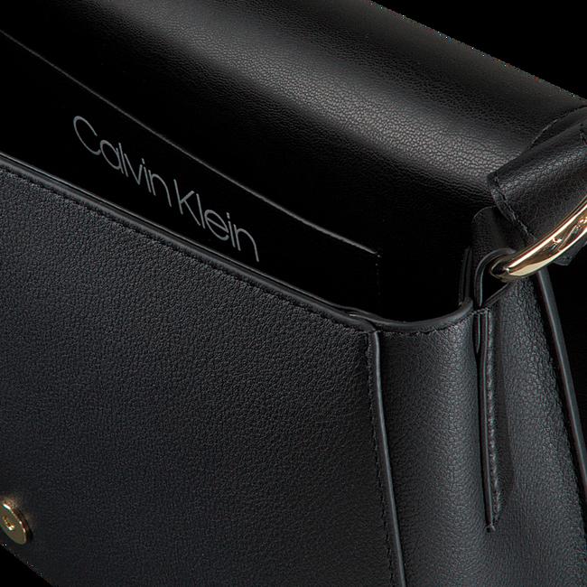 Schwarze CALVIN KLEIN Handtasche DRESSED UP SATCHEL  - large