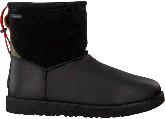 Schwarze UGG Ankle Boots CLASSIC TOGGLE WATERPROOF - large