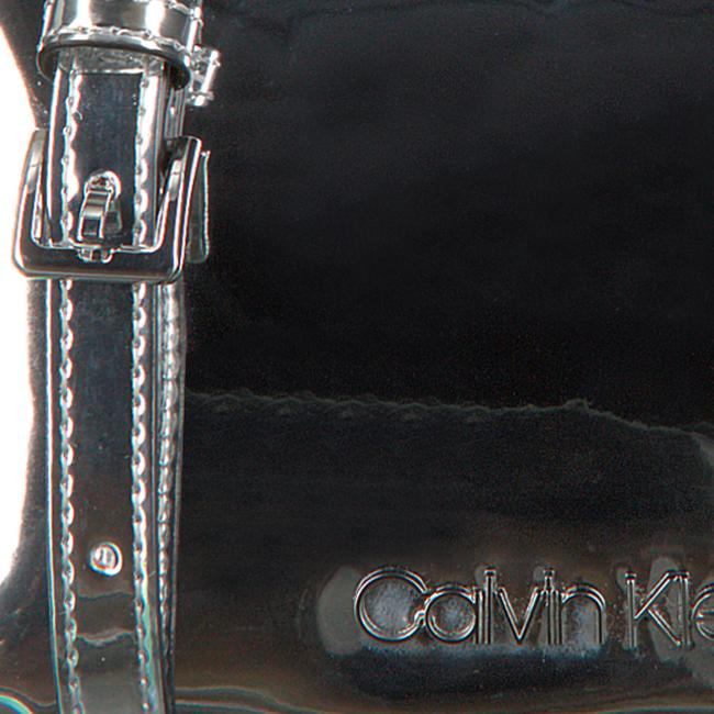 Silberne CALVIN KLEIN Umhängetasche CK MUST F19 CAMERABAG S  - large