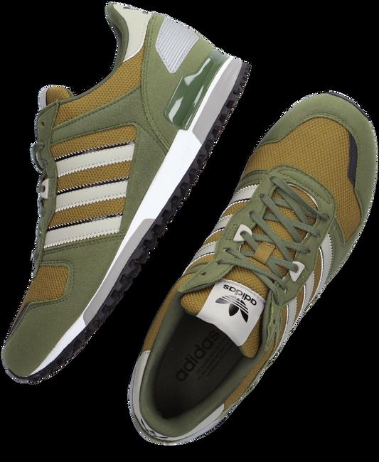 Grüne ADIDAS Sneaker ZX 700 HEREN  - large