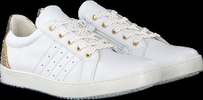 Weiße OMODA Sneaker SPACE 56 - large