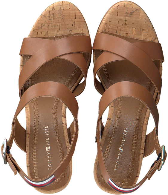 Cognacfarbene TOMMY HILFIGER Sandalen CORPORATE WEDGE  - large