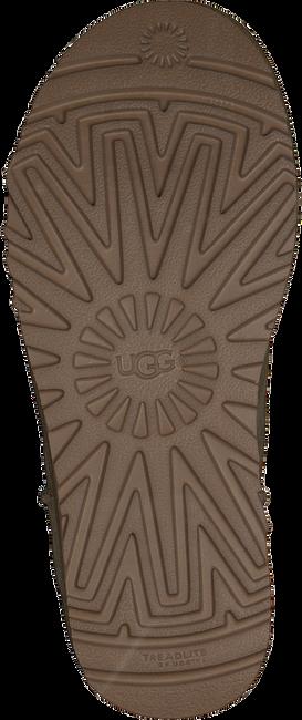 Braune UGG Winterstiefel CLASSIC MINI - large