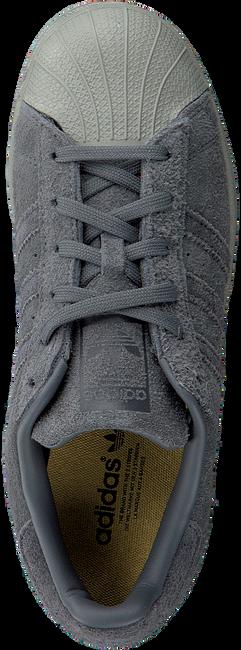 Graue ADIDAS Sneaker SUPERSTAR J - large