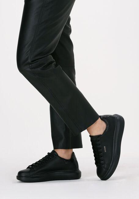 Schwarze GUESS Sneaker low SALERNO  - large