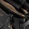 Schwarze GUESS Handtasche COLETTE GIRLFRIEND SATCHEL  - small