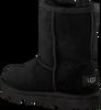 Schwarze UGG Winterstiefel CLASSIC II KIDS - small